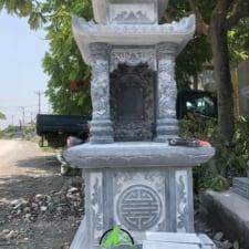 mộ đá 2 mái