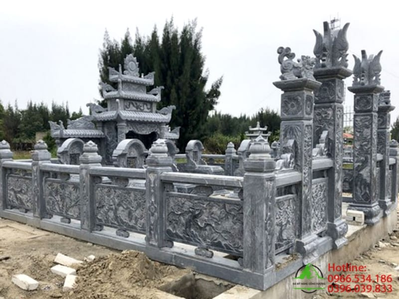 Khu lăng mộ bằng đá khối